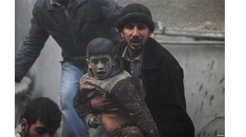 Người đàn ông dũng cảm cứu sống 1 em bé - Brave man saves a baby