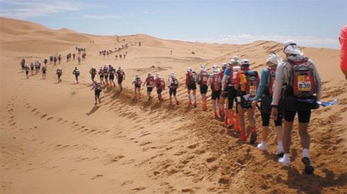 Cuộc đua Maratho ở sa mạc Sahara - Marathon in Sahara Desert