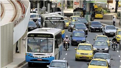 Sốc vụ hiếp dâm trên xe bus và vụ tấn công ở Brazil - Rio de Janeiro bus rape: Shock over latest Brazil attack