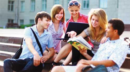 Tiếng Anh yếu là thách thức đối với sinh viên Việt Nam - Poor English skills challenge Vietnamese students