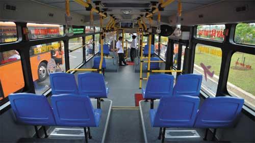 Phải ngồi ghế sau của xe bus - Back Of The Bus