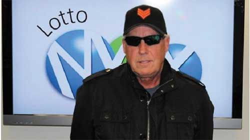Ở Canada người đàn ông Tom Crist đã trúng sổ số 40 triệu đô la và sẽ làm từ thiện hết số tiền đó - Canada man Tom Crist to give away entire $42m lottery win to charity