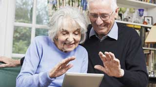 Công nghệ có thể giúp người già sống độc lập