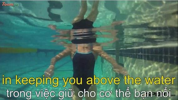 Hướng dẫn cách đạp nước cho người mới học bơi