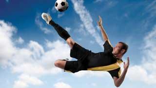 Bóng đá, y học và tính cân xứng